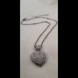 Beautiful sterling silver pavè heart necklace